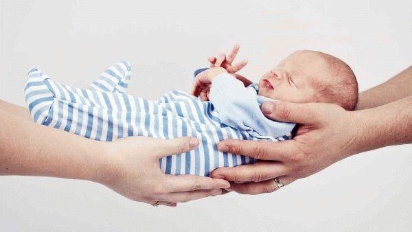 Вопрос об усыновлении новорожденного ребенка